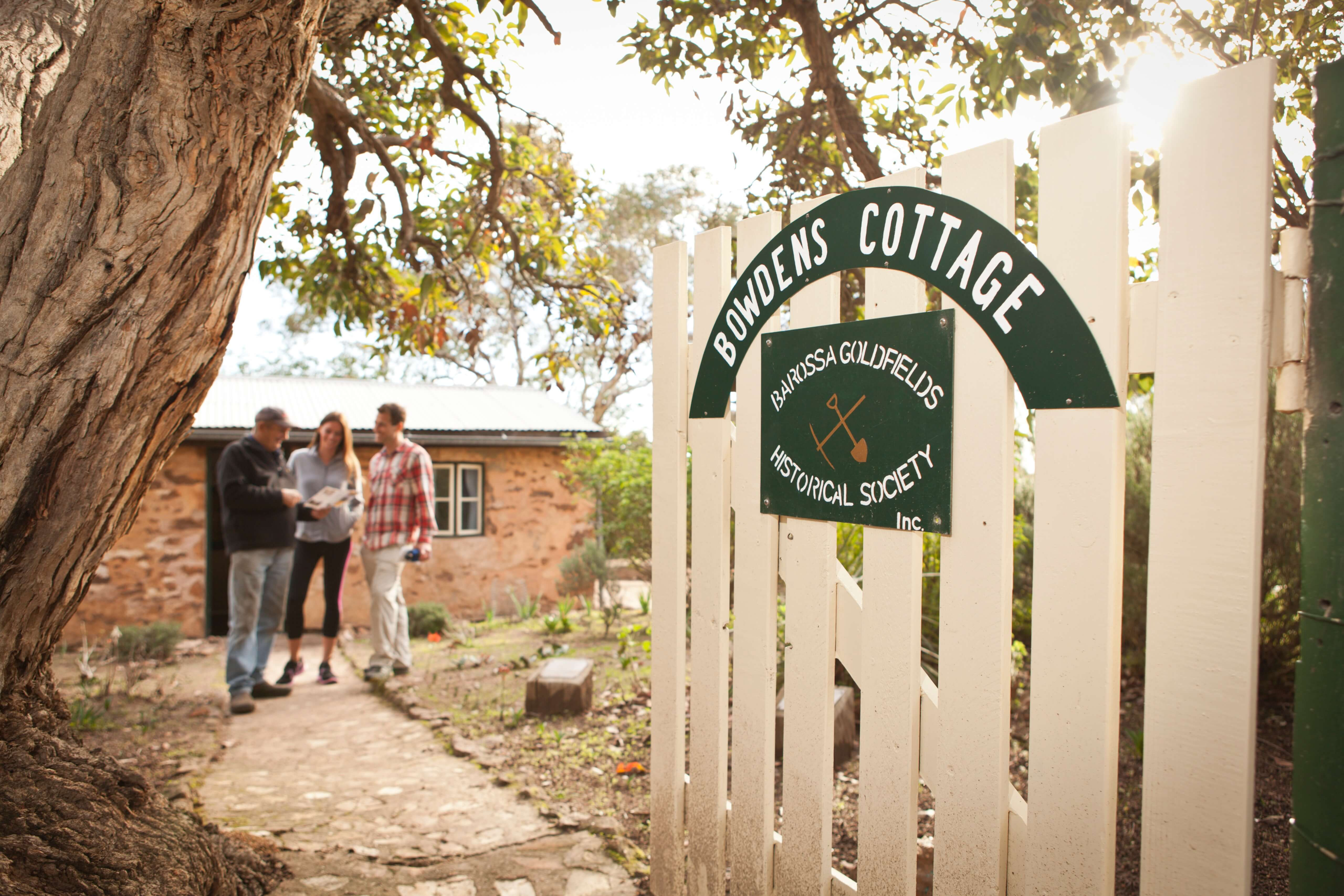 4. Bowdens Cottage 1.jpg
