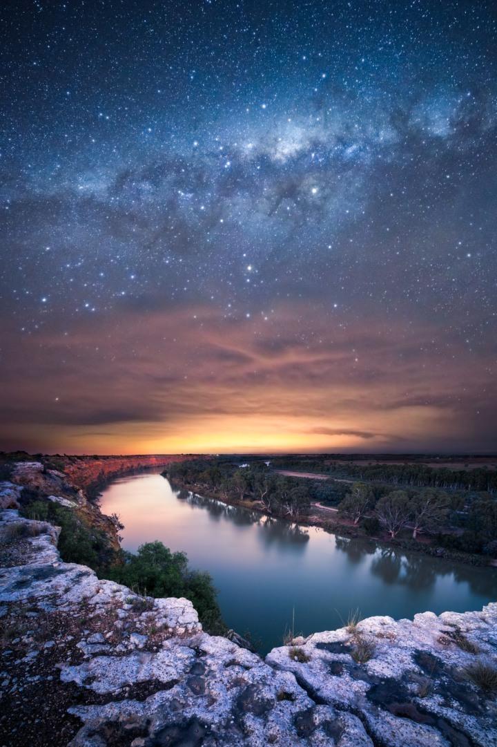 experiences-in-south-australias-national-parks-body13-swan-reach.jpg